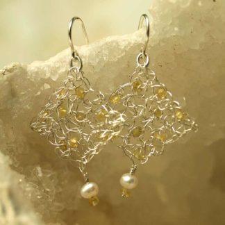 Ohrhänger aus gelber Saphir - Perle